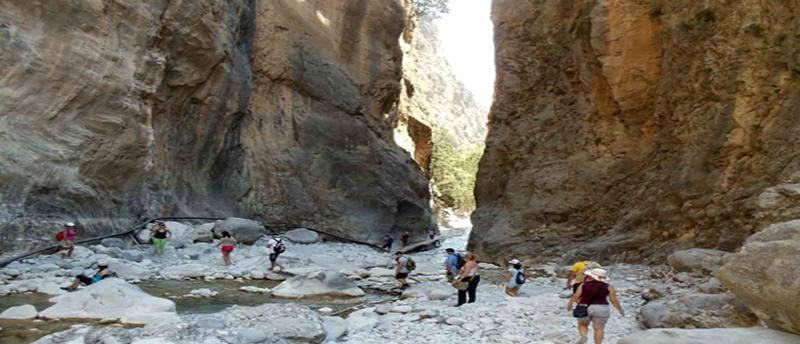 Πεζοπορία στο Φαράγγι της Σαμαριάς