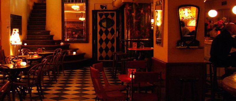 «Θερμαϊκός: Το ιστορικότερο μπαρ της παραλιακής