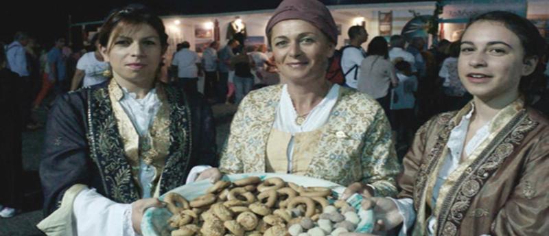 Φεστιβάλ Κυκλαδικής Γαστρονομίας: Η Σίφνος… σας κάνει το τραπέζι!