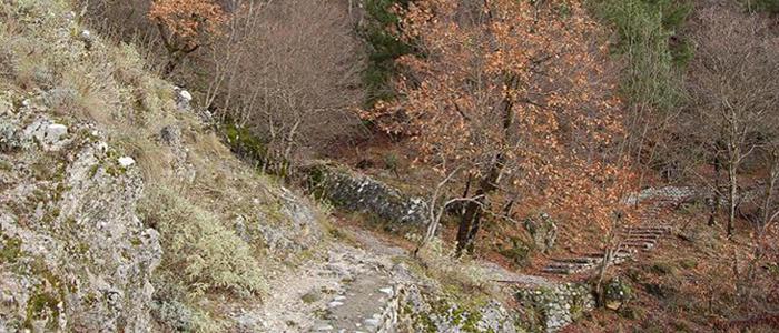 Κάστρο Κόνιτσας: Ερειπωμένος πύργος με εντυπωσιακή θέα