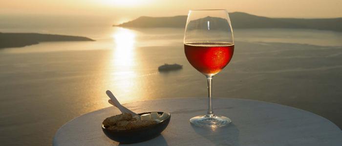 Βινσάντο: Το… άγιο κρασί της Σαντορίνης