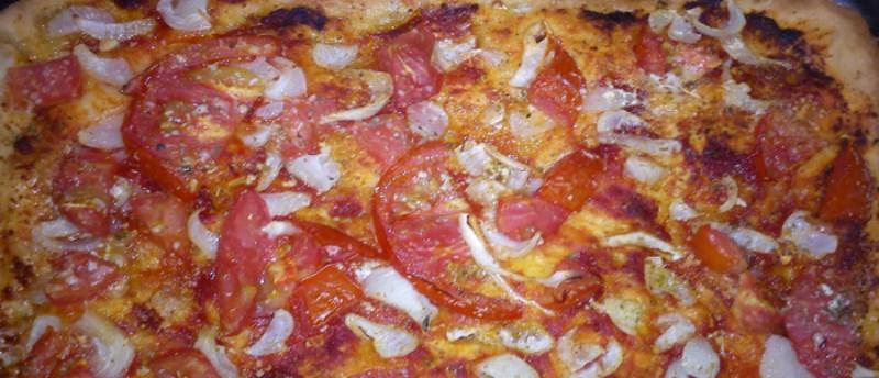 Λαδένια: Ελληνική εκδοχή της πίτσας από την Κίμωλο!
