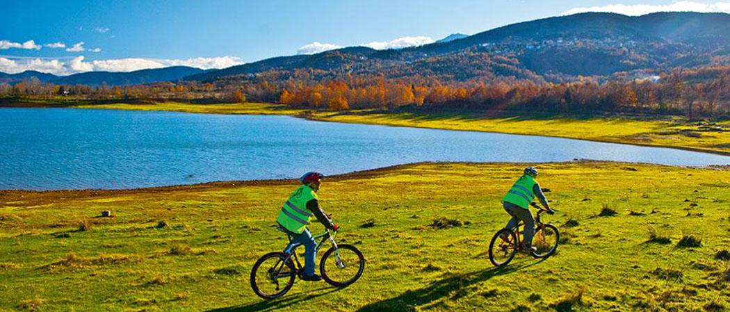 Λίμνη Πλαστήρα: Γύρος με ποδήλατα